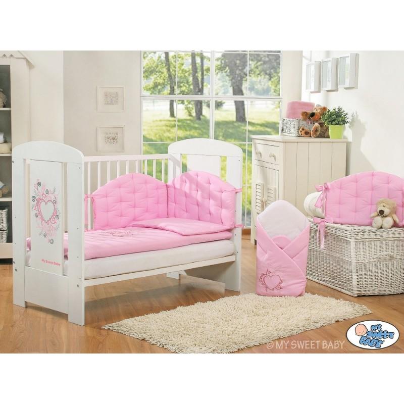 lit pour b b collection chic avec sa parure rose lit enfant avec parure. Black Bedroom Furniture Sets. Home Design Ideas