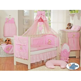 lit b b avec parure de lit teddy bear rose lit enfant. Black Bedroom Furniture Sets. Home Design Ideas