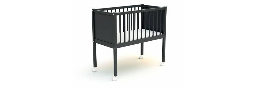Berceau pour bébé en bois